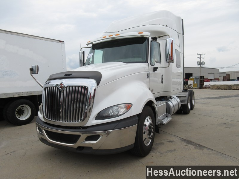 USED 2015 INTERNATIONAL PROSTAR + TANDEM AXLE SLEEPER TRAILER #39173