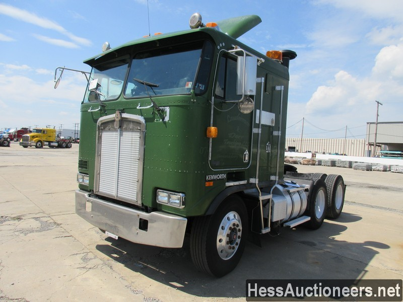 USED 2000 KENWORTH K100E TANDEM AXLE SLEEPER TRAILER #39526