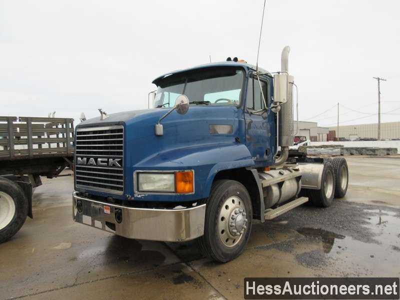 USED 1999 MACK CH613 TANDEM AXLE DAYCAB TRAILER #42095