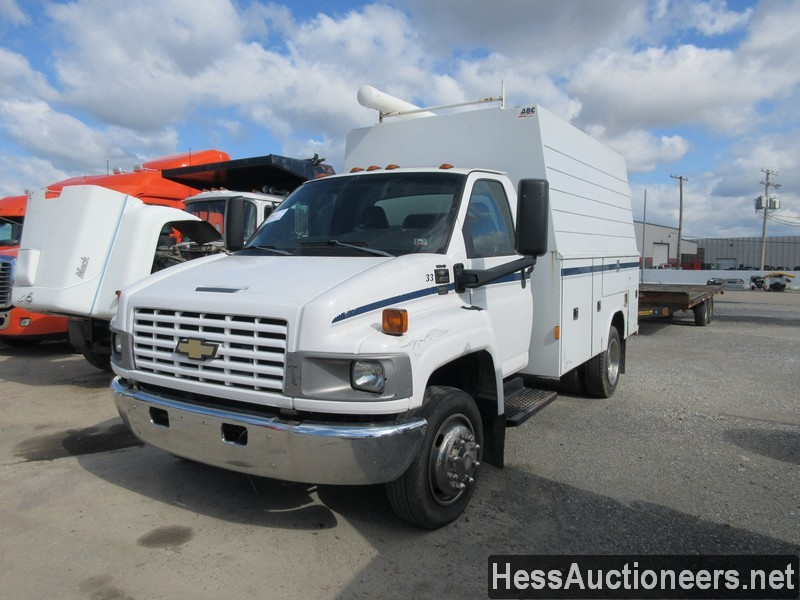 USED 2004 CHEVROLET 4500 SERVICE - UTILITY TRUCK TRAILER #44187-1