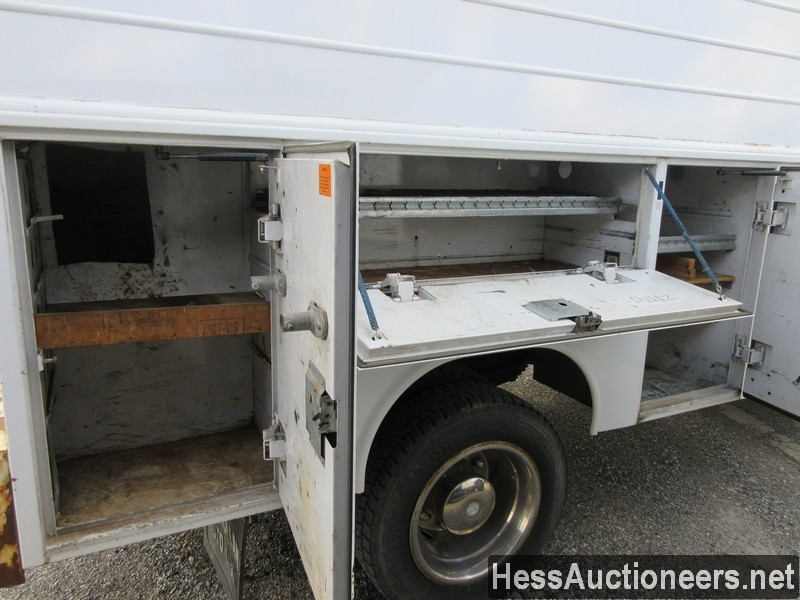 USED 2004 CHEVROLET 4500 SERVICE - UTILITY TRUCK TRAILER #44187-18