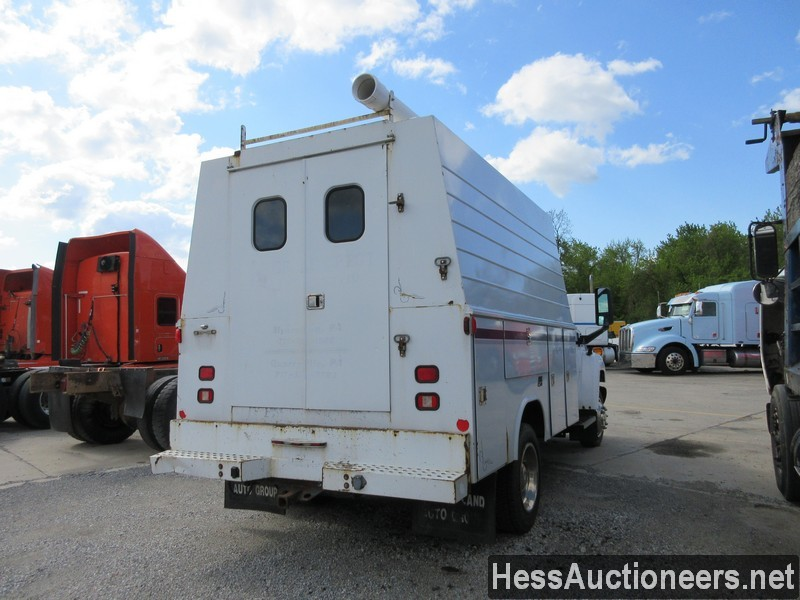 USED 2004 CHEVROLET 4500 SERVICE - UTILITY TRUCK TRAILER #44187-3