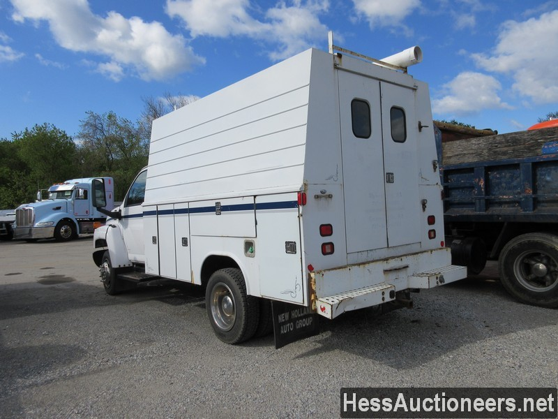 USED 2004 CHEVROLET 4500 SERVICE - UTILITY TRUCK TRAILER #44187-4