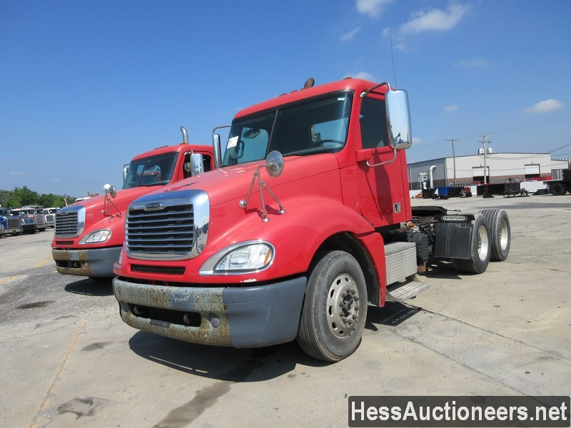 USED 2013 FREIGHTLINER COLUMBIA TANDEM AXLE DAYCAB TRAILER #44491