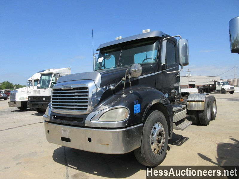 USED 2009 FREIGHTLINER COLUMBIA TANDEM AXLE DAYCAB TRAILER #44564