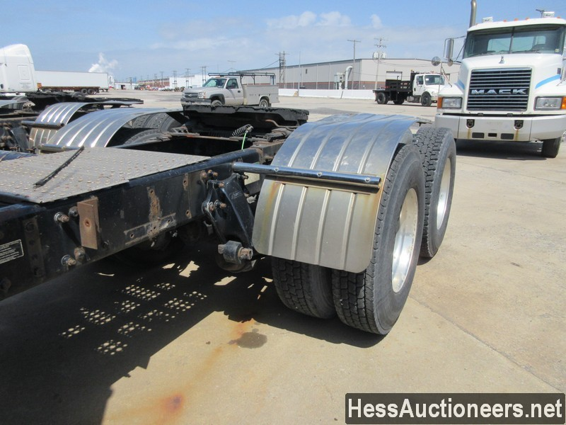 USED 2010 FREIGHTLINER CASCADIA TANDEM AXLE DAYCAB TRAILER #44565-15
