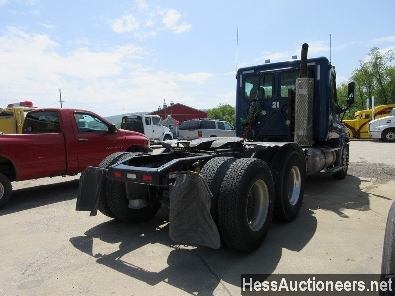 USED 2010 FREIGHTLINER CASCADIA TANDEM AXLE DAYCAB TRAILER #44565-3