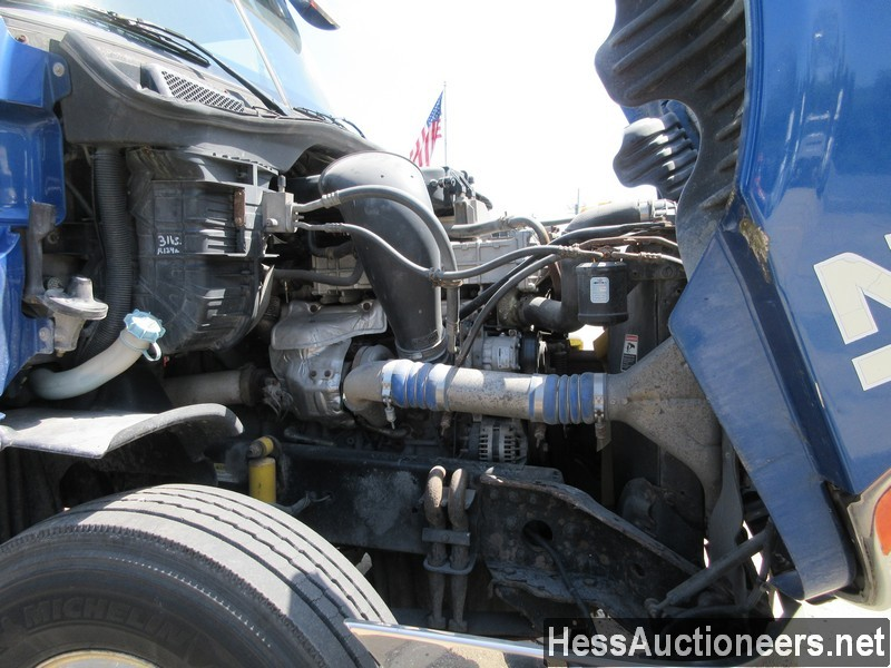 USED 2010 FREIGHTLINER CASCADIA TANDEM AXLE DAYCAB TRAILER #44565-8