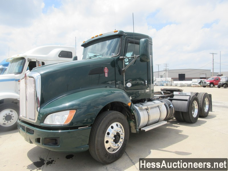 USED 2013 KENWORTH T660 TANDEM AXLE DAYCAB TRAILER #44570