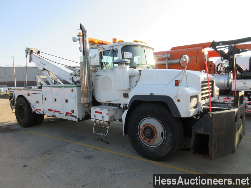 USED 2004 MACK RD688P WRECKER TOW TRUCK TRAILER #46260-2