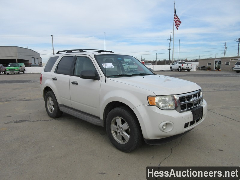 USED 2010 FORD ESCAPE SUV PASSENGER VEHICLE #48044-2
