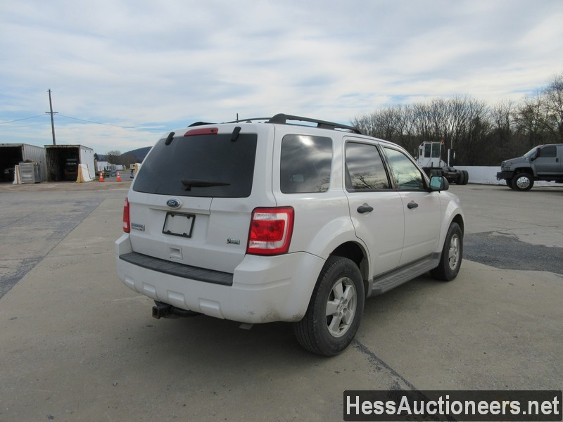 USED 2010 FORD ESCAPE SUV PASSENGER VEHICLE #48044-3