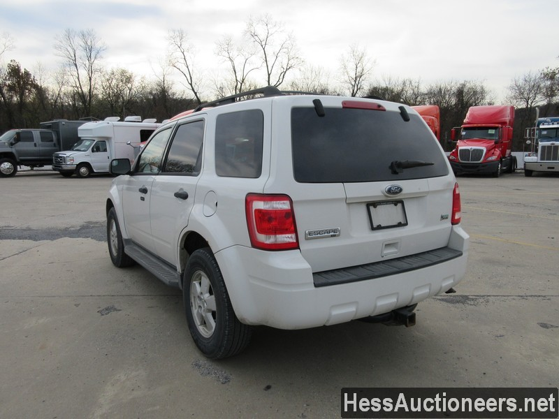 USED 2010 FORD ESCAPE SUV PASSENGER VEHICLE #48044-4