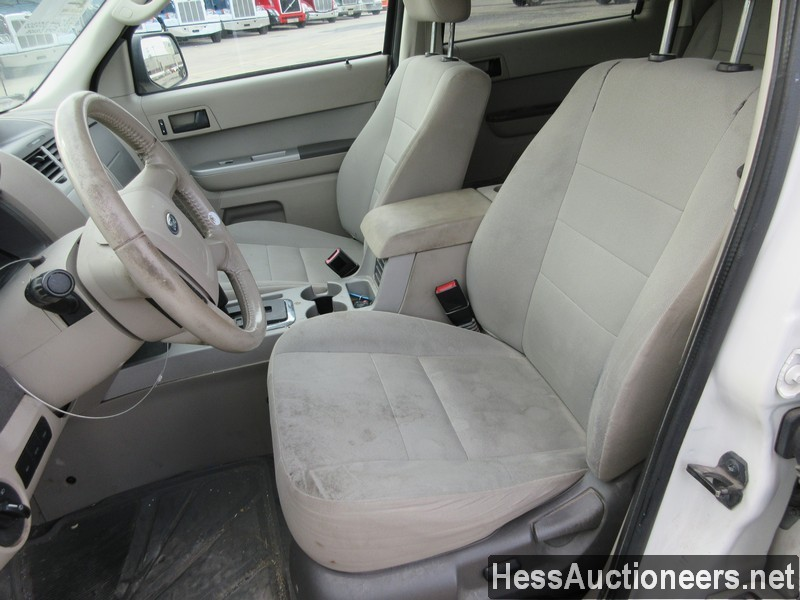 USED 2010 FORD ESCAPE SUV PASSENGER VEHICLE #48044-7