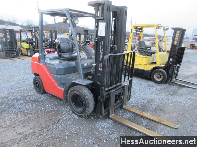 USED 2012 TOYOTA 8FD625 MAST FORKLIFT EQUIPMENT #48425