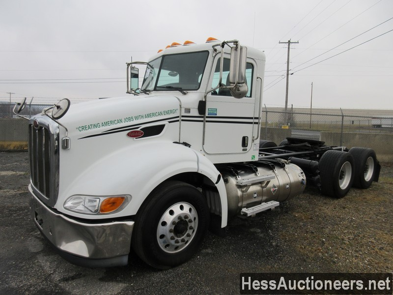 USED 2015 PETERBILT 384 TANDEM AXLE DAYCAB TRAILER #48473