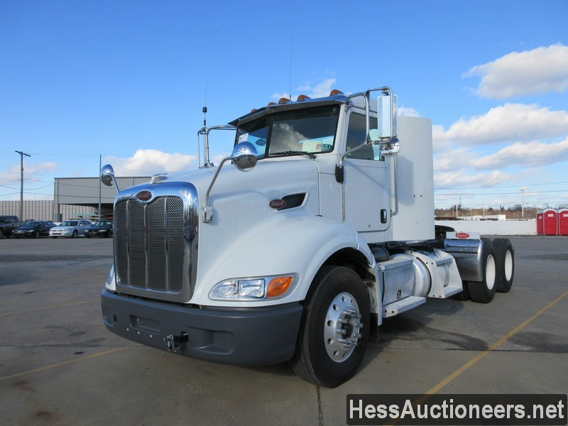 USED 2014 PETERBILT 384 TANDEM AXLE DAYCAB TRAILER #48494
