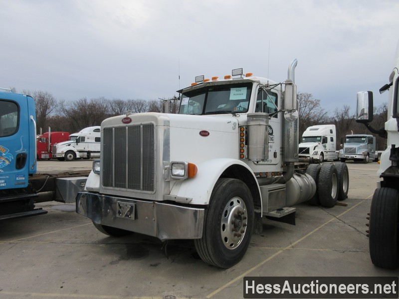 USED 2005 PETERBILT 379 TANDEM AXLE DAYCAB TRAILER #48664