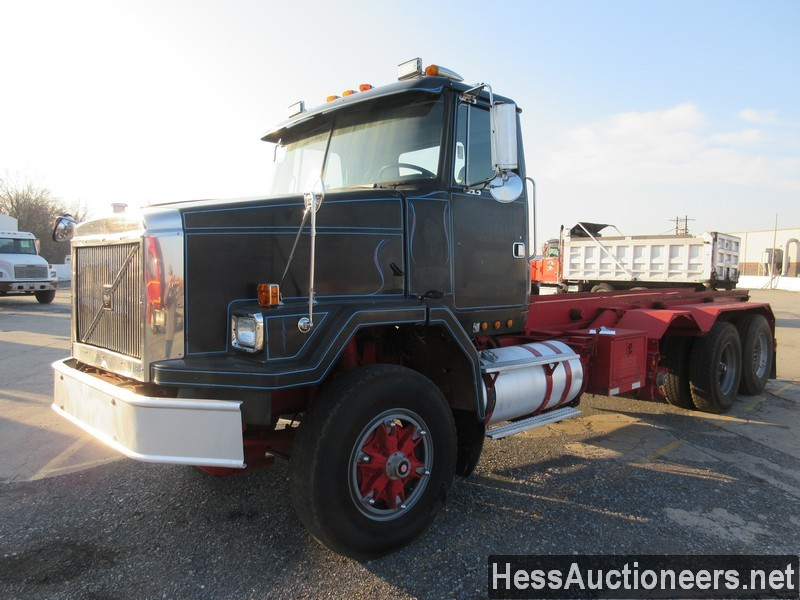 USED 1997 VOLVO . ROLL-OFF TRUCK TRAILER #48798