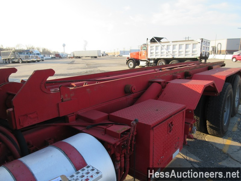USED 1997 VOLVO . ROLL-OFF TRUCK TRAILER #48798-12