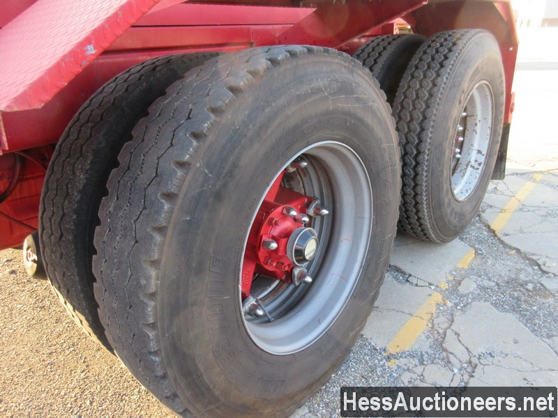 USED 1997 VOLVO . ROLL-OFF TRUCK TRAILER #48798-14
