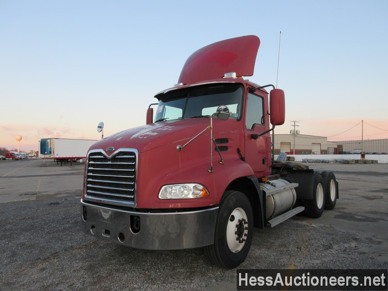 USED 2005 MACK CXN613 TANDEM AXLE DAYCAB TRAILER #48889