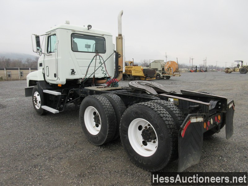 USED 2000 MACK CH613 TANDEM AXLE DAYCAB TRAILER #49441-4