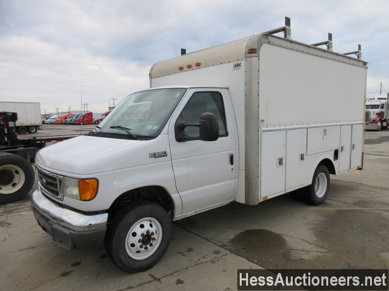 USED 2005 FORD E350 SERVICE - UTILITY TRUCK TRAILER #50686