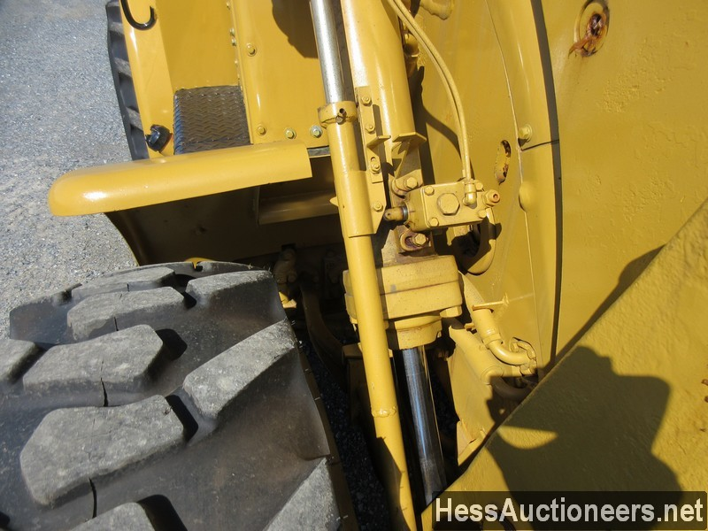 USED 1960 CAT 922 WHEEL LOADER EQUIPMENT #51075-9