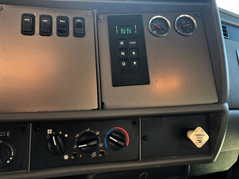 USED 2013 KENWORTH T270 NON CDL BOX VAN TRUCK #1912-10