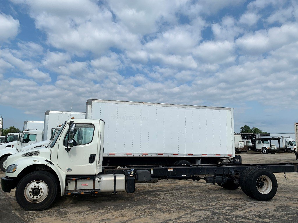 2015 FREIGHTLINER M2 Cab Chassis Truck