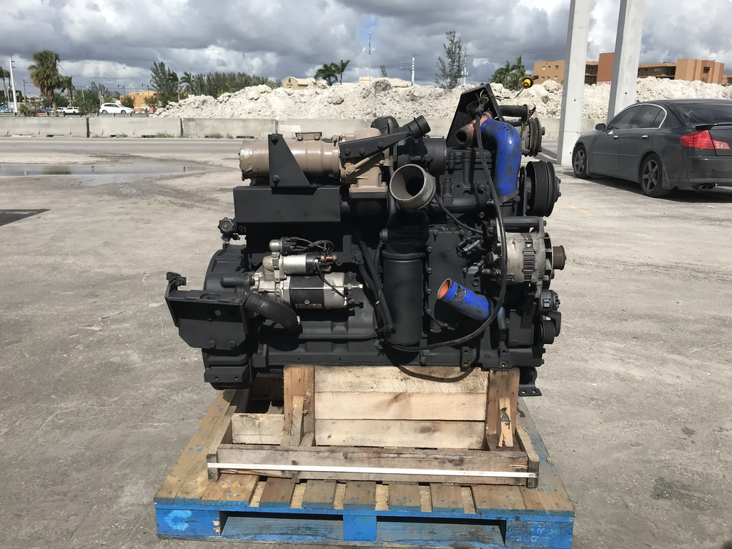 USED 2006 CUMMINS ISC COMPLETE ENGINE TRUCK PARTS #1816