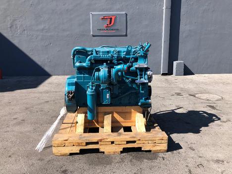 International DT466 Engine - JJ Rebuilders