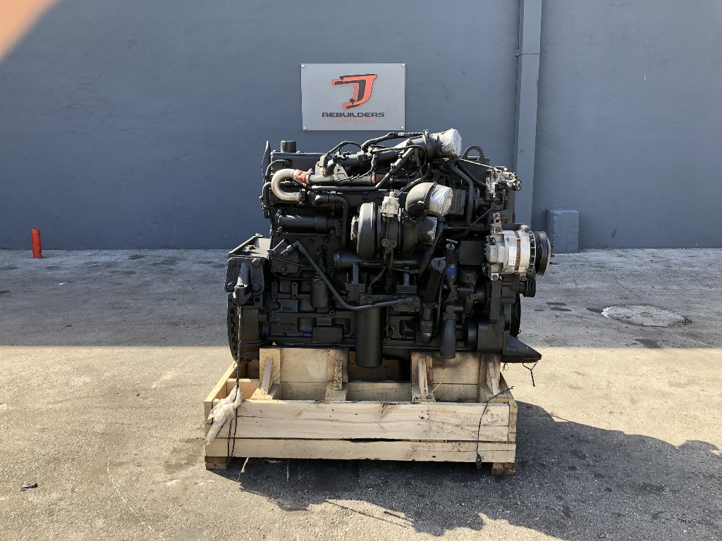 USED 2004 CUMMINS ISM COMPLETE ENGINE TRUCK PARTS #2210
