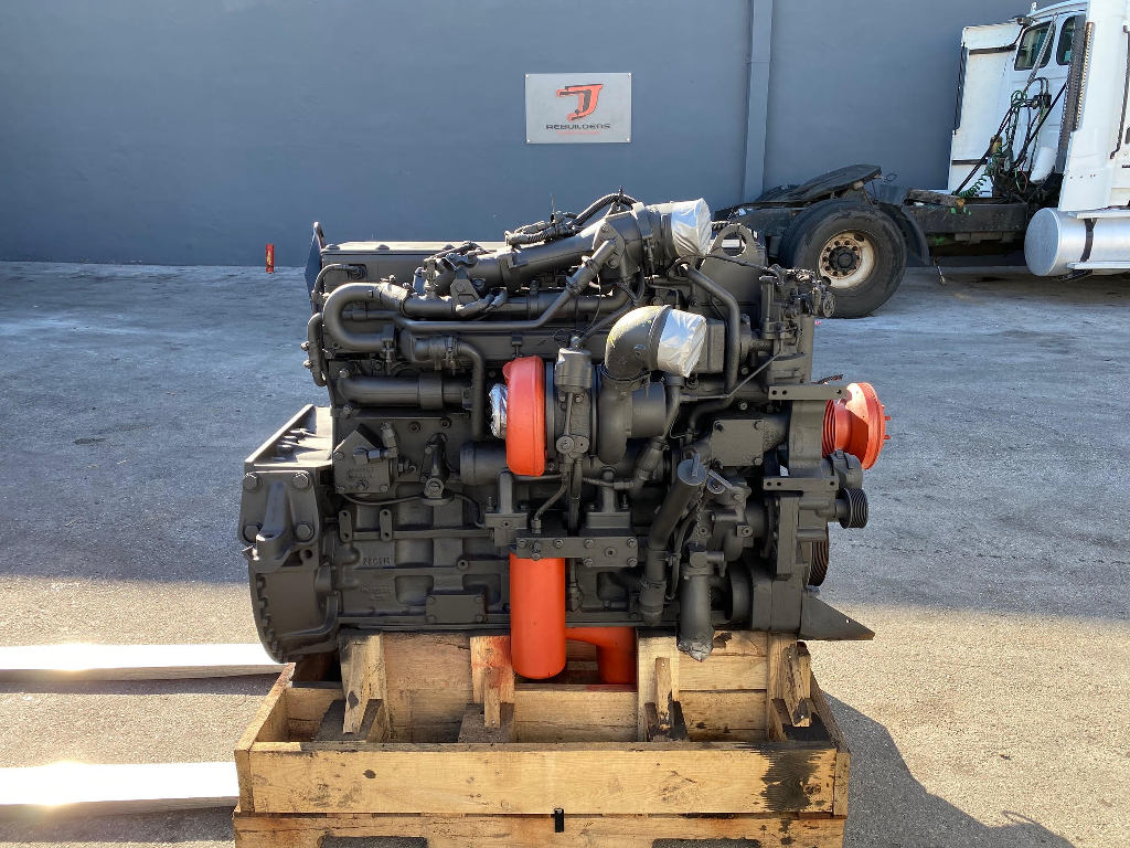 USED 2005 CUMMINS ISM COMPLETE ENGINE TRUCK PARTS #2486