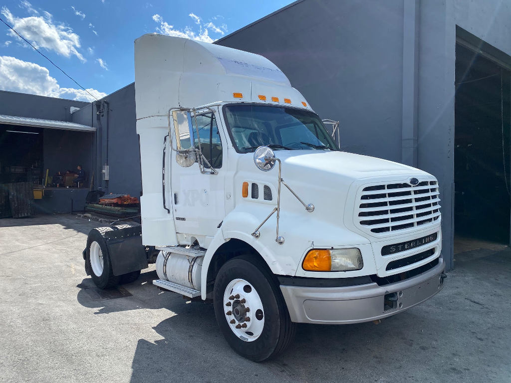 USED 2000 STERLING A9500 SINGLE AXLE DAYCAB TRUCK #2500