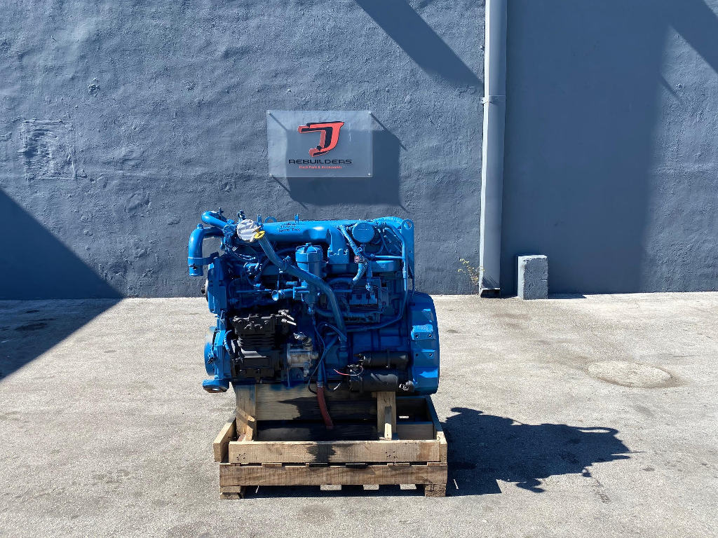 USED 2004 INTERNATIONAL DT466E COMPLETE ENGINE TRUCK PARTS #2552