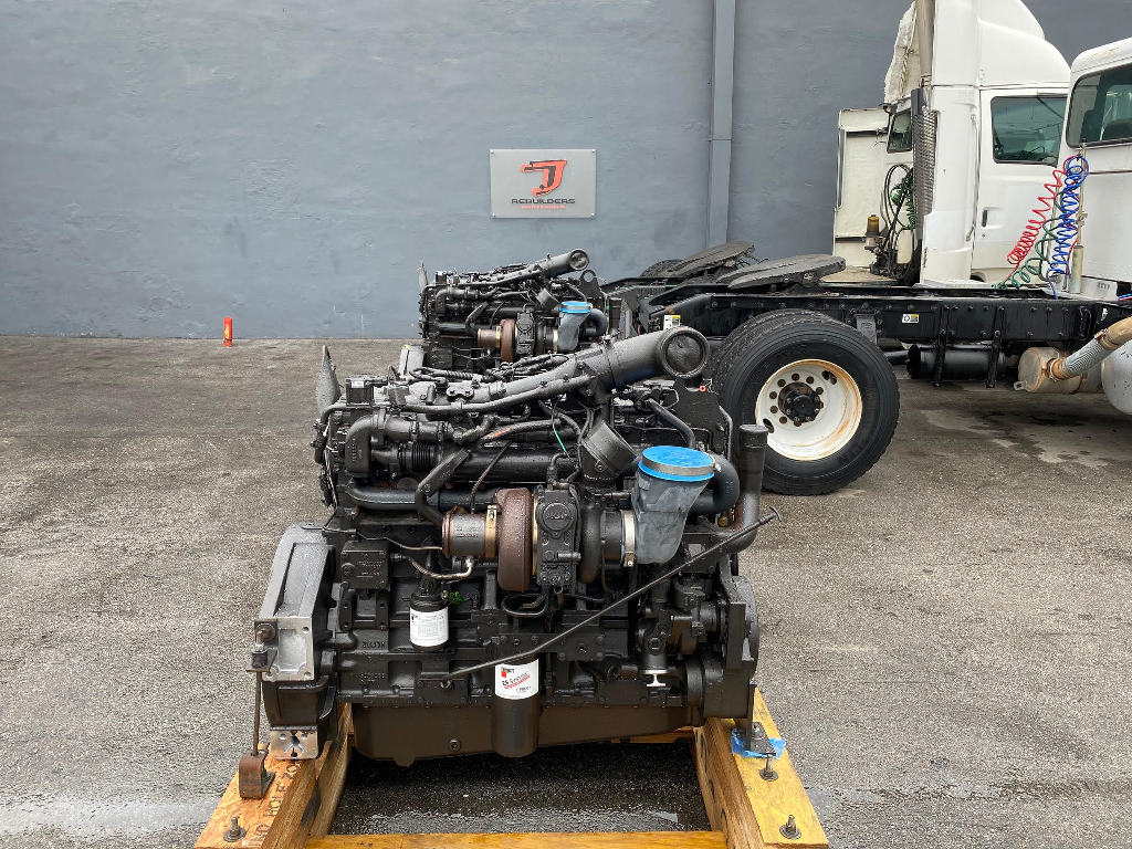 NEW 2009 CUMMINS ISM TRUCK ENGINE TRUCK PARTS #2686