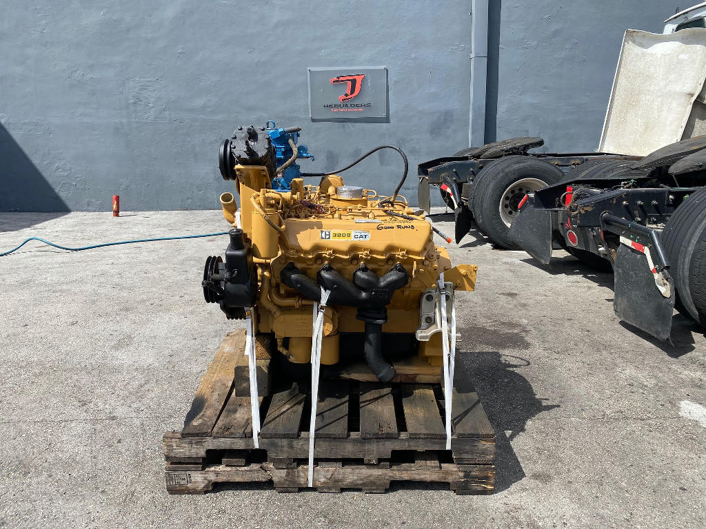 USED CAT 3208 TRUCK ENGINE TRUCK PARTS #2764