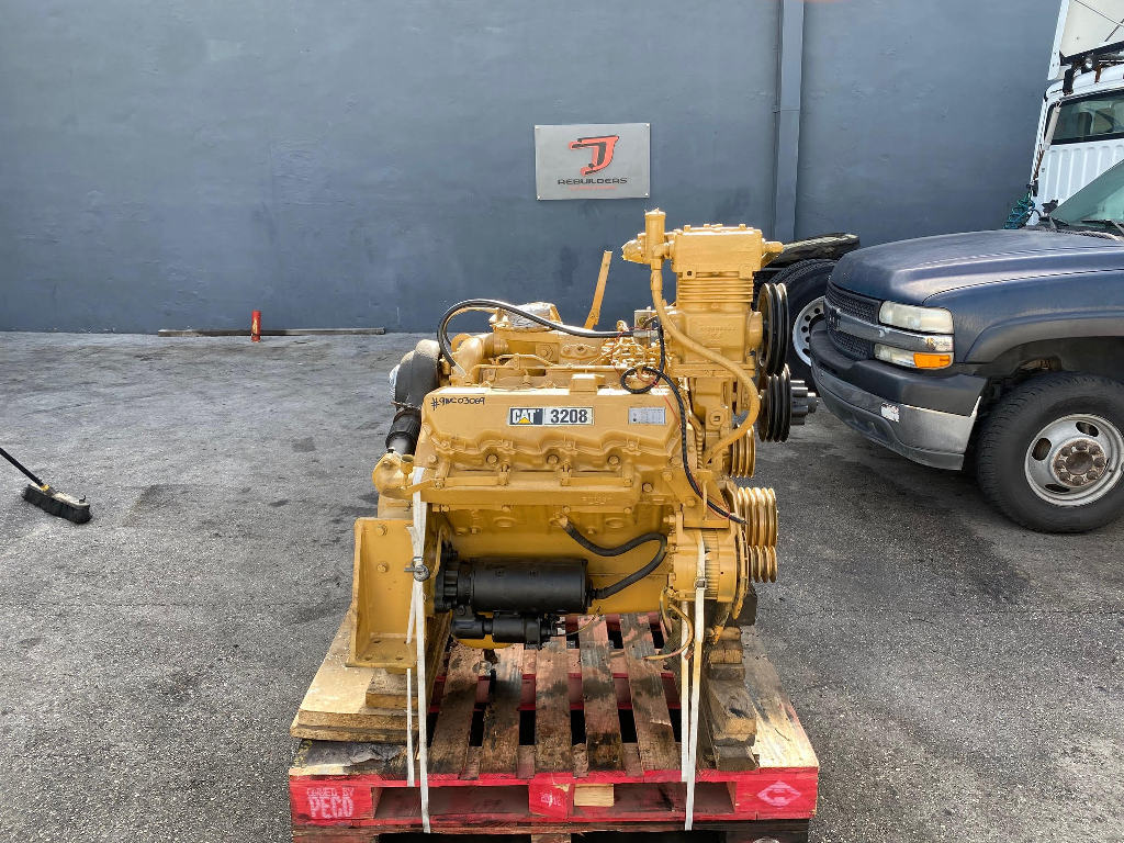 USED 2004 CAT 3208T TRUCK ENGINE TRUCK PARTS #2836