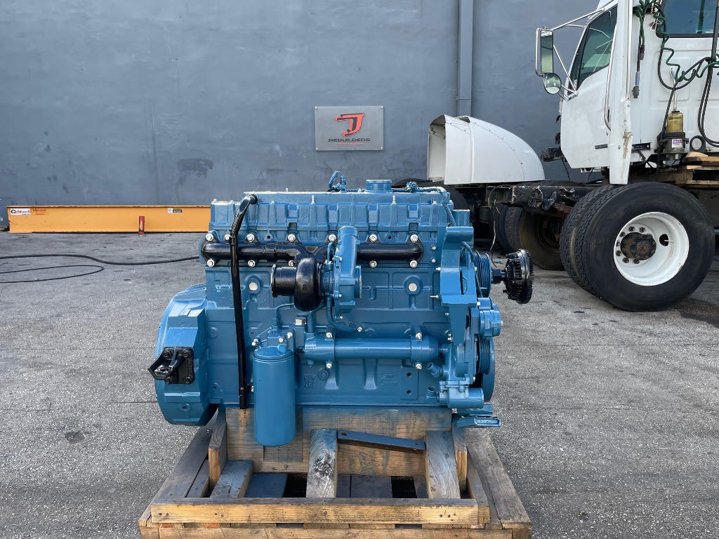 USED 2001 INTERNATIONAL DT466E TRUCK ENGINE TRUCK PARTS #3096