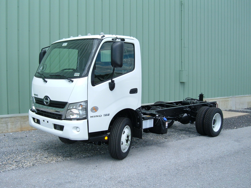 NEW 2018 HINO 195 CAB CHASSIS TRUCK #1002