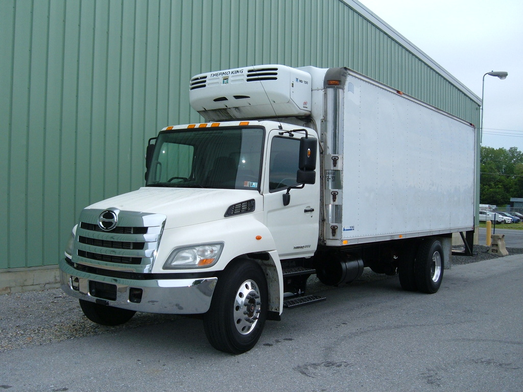 USED 2012 HINO 268A REEFER TRUCK #1013