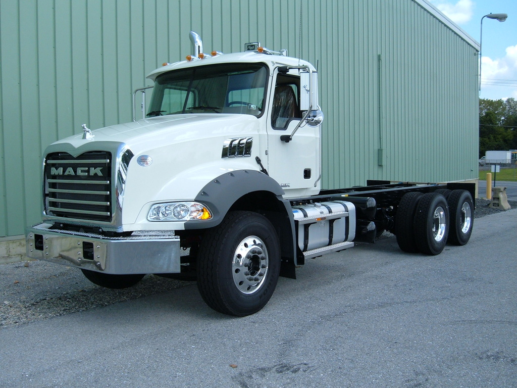 NEW 2018 MACK GU813 CAB CHASSIS TRUCK #1015