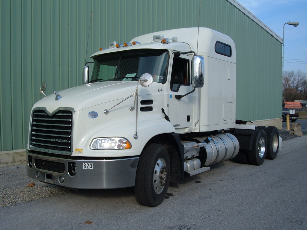 USED 2016 MACK CXU613 CAB CHASSIS TRUCK #1085