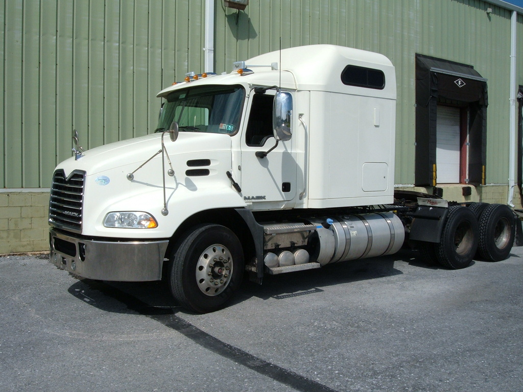 USED 2016 MACK CXU613 TANDEM AXLE SLEEPER TRUCK #1113