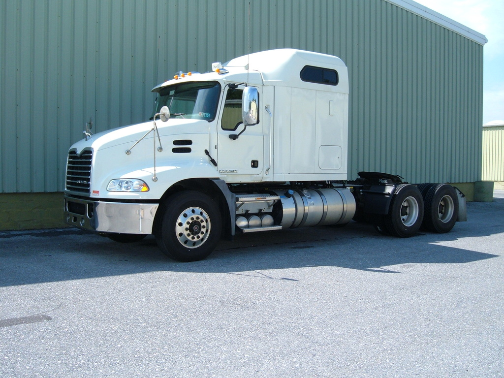 USED 2017 MACK CXU613 TANDEM AXLE SLEEPER TRUCK #1114