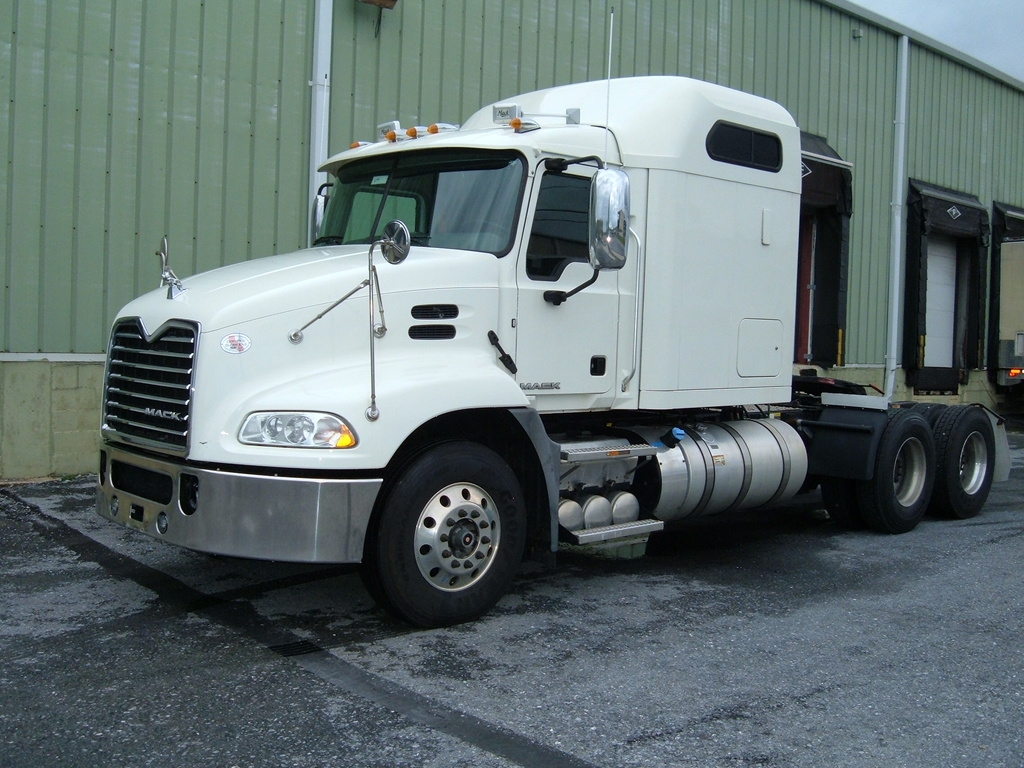 USED 2016 MACK CXU613 TANDEM AXLE SLEEPER TRUCK #1119