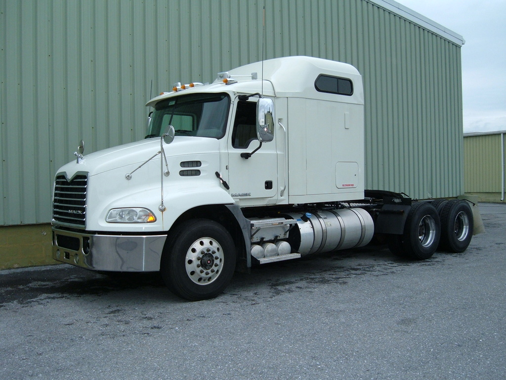 USED 2016 MACK CXU613 TANDEM AXLE SLEEPER TRUCK #1120