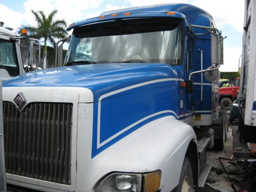 USED 2006 INTERNATIONAL 9400 HEAVY DUTY TRUCK #1044